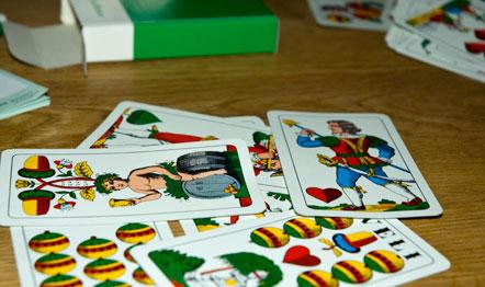 Kartenspielen in Südtirol