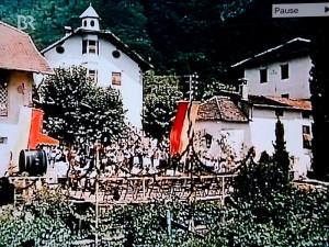 Dorffest mit Krönung der Weinkönigin aus dem Film: Mein Schatz ist aus Tirol