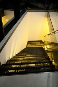 Treppe zur Parkgarage Kellerei Tramin